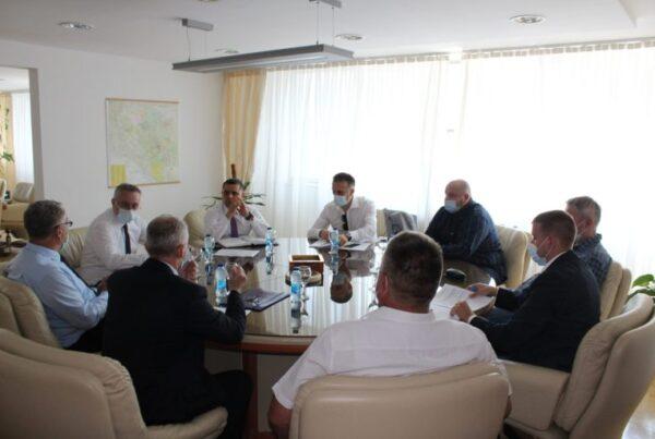 Ministar-Pasalic-sa-predstavnicima-PKomore-scaled